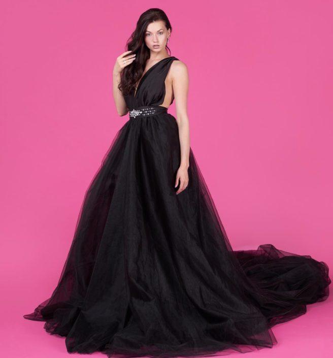 Modelle Brescia • ANYA L • WOMEN, Beauty, E-Commerce, Fotomodella Legs / Hand, Fotomodella Over 30, Intimo, Abiti da Sposa, Fittings