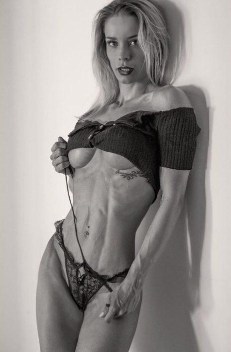 Modelle Brescia • DANILA C • Fotomodella Influencer, Top Models, Fotomodella Over 20, Fittings, Cataloghi, Editoriali, FIT