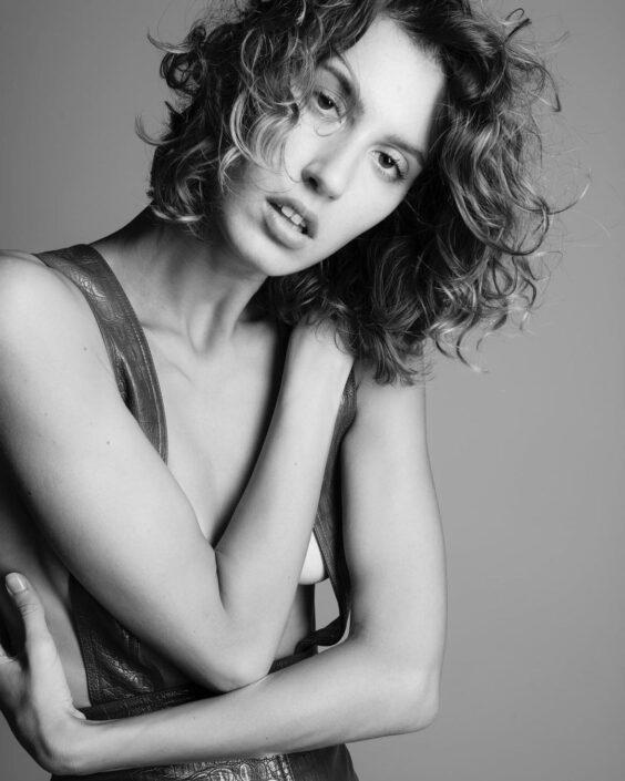 Modelle Brescia • ASIA M • WOMEN, Gambista, Beauty, Manista, E-Commerce, Fotomodella Legs / Hand, Top Models, Fotomodella Over 30, Fotomodella Over 20, Intimo, Abiti da Sposa, Fittings