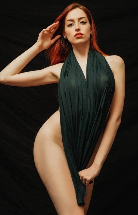 Modelle Brescia • BEATRICE L • DEVELOPMENT, Gambista, Beauty, Manista, E-Commerce, Fotomodella Legs / Hand, Top Models, Fotomodella Over 20, Intimo, Abiti da Sposa, Fittings
