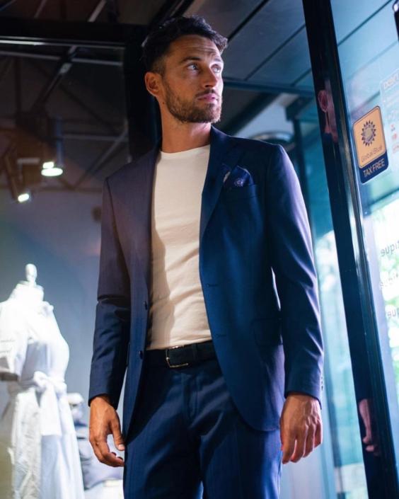 Modelle Brescia • RICCARDO CO • MEN, Manista, Fittings, Cataloghi, Editoriali, fotomodello, top model, abiti da sposo, Sfilate, LookBook, Fotomodello Uomo