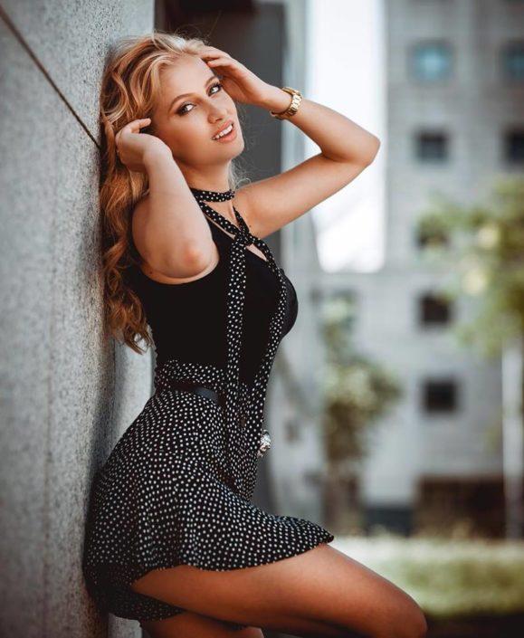 Modelle Brescia • BENIADA N • Fotomodella Influencer, WOMEN, Gambista, Beauty, Manista, E-Commerce, Fotomodella Legs / Hand, Top Models, Fotomodella Over 30, Fotomodella Over 20, Intimo, Abiti da Sposa, Fittings