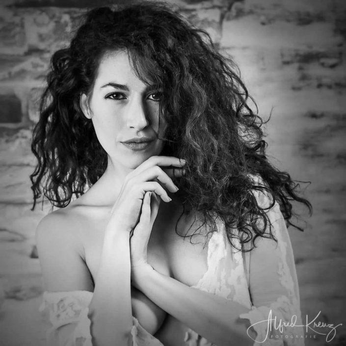 Modelle Brescia • ALESSANDRA G • Beauty, E-Commerce, Fotomodella Legs / Hand, Top Models, Fotomodella Over 30, Fotomodella Over 20, Intimo, Abiti da Sposa, Fittings, INK, Cataloghi, Editoriali, Immagine