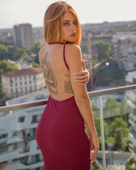 Modelle Brescia • ALESSANDRA GI • Beauty, E-Commerce, Fotomodella Legs / Hand, Top Models, Fotomodella Over 30, Fotomodella Over 20, Intimo, Abiti da Sposa, Fittings, INK, Cataloghi, Editoriali, Immagine