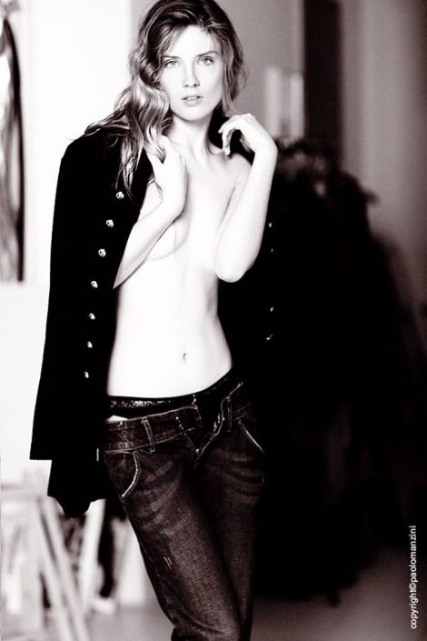 Modelle Brescia • Alessia M • DEVELOPMENT, Gambista, Beauty, Manista, E-Commerce, Fotomodella Legs / Hand, Top Models, Fotomodella Over 30, Fotomodella Over 20, Intimo, Abiti da Sposa, Fittings
