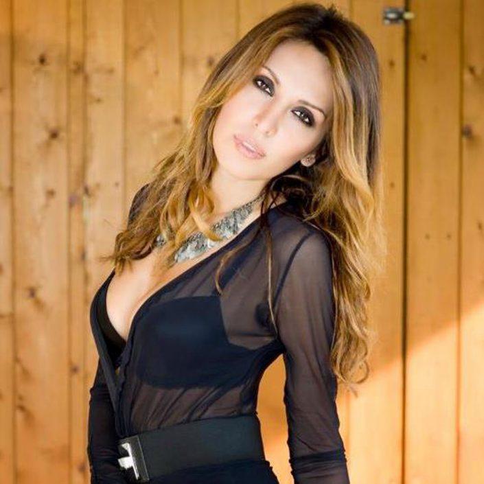 Modelle Brescia • Anamaria T • DEVELOPMENT, Gambista, Beauty, Manista, E-Commerce, Fotomodella Legs / Hand, Top Models, Fotomodella Over 30, Fotomodella Over 20, Intimo, Abiti da Sposa, Fittings