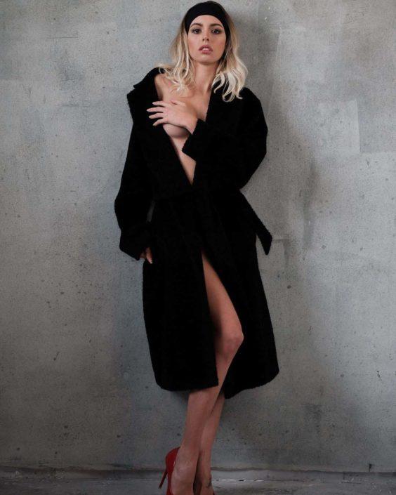 Modelle Brescia • ANGIE C • DEVELOPMENT, Gambista, Beauty, Manista, E-Commerce, Fotomodella Legs / Hand, Top Models, Fotomodella Over 30, Fotomodella Over 20, Intimo, Abiti da Sposa, Fittings