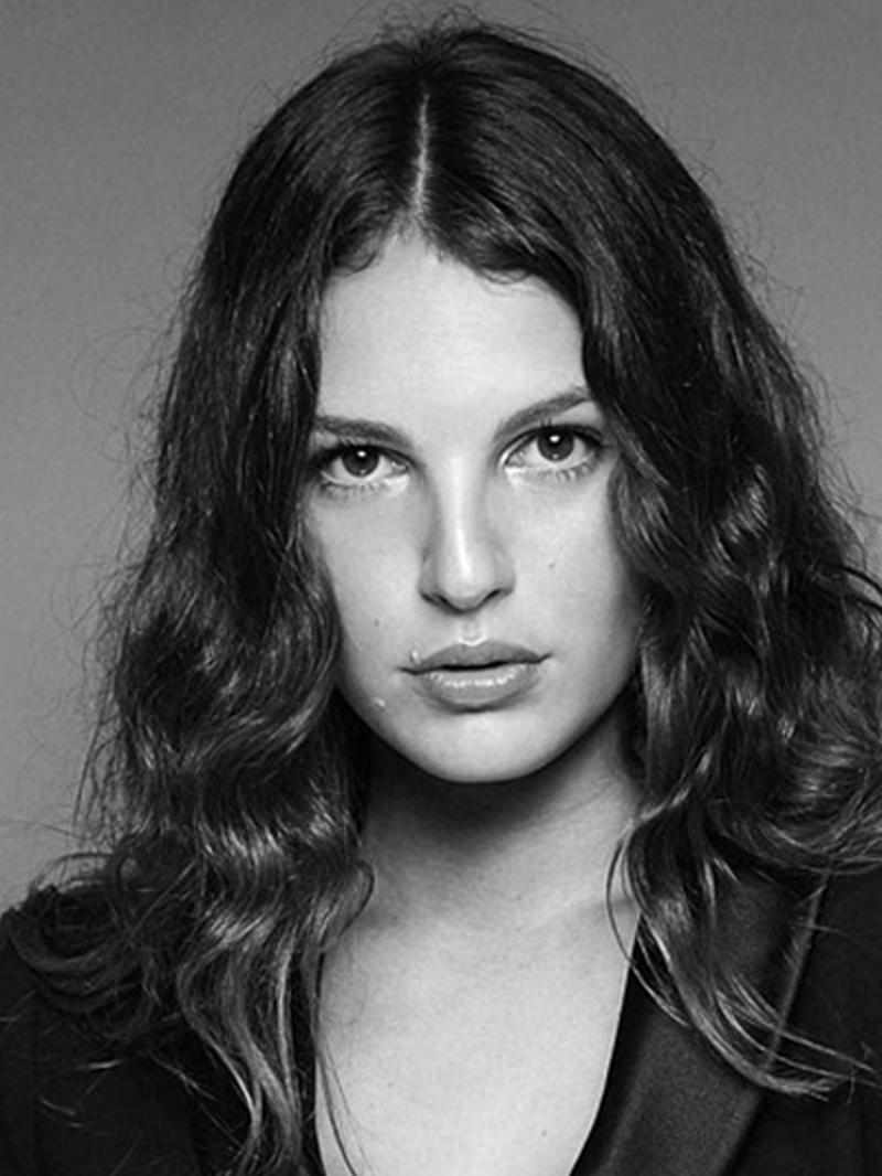 Modelle Brescia • ARIANNA F • NEW FACES, Gambista, Beauty, Manista, Fotomodella Over 20, Fotomodello Under 18, Fittings, Fotomodella, Editoriali, Sfilate