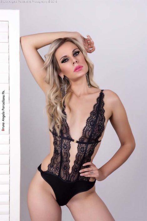 Modelle Brescia • BEATRICE B • DEVELOPMENT, Gambista, Beauty, Manista, E-Commerce, Fotomodella Legs / Hand, Top Models, Fotomodella Over 30, Fotomodella Over 20, Intimo, Abiti da Sposa, Fittings