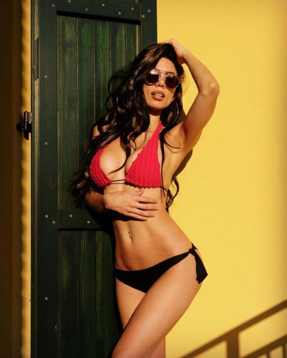 Modelle Brescia • CYNTHIA C • DEVELOPMENT, Gambista, Beauty, Manista, E-Commerce, Fotomodella Legs / Hand, Top Models, Fotomodella Over 30, Fotomodella Over 20, Intimo, Abiti da Sposa, Fittings