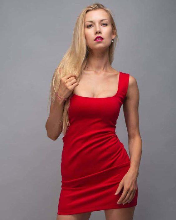 Modelle Brescia • DASHA V • DEVELOPMENT, Gambista, Beauty, Manista, E-Commerce, Fotomodella Legs / Hand, Top Models, Fotomodella Over 30, Fotomodella Over 20, Intimo, Abiti da Sposa, Fittings