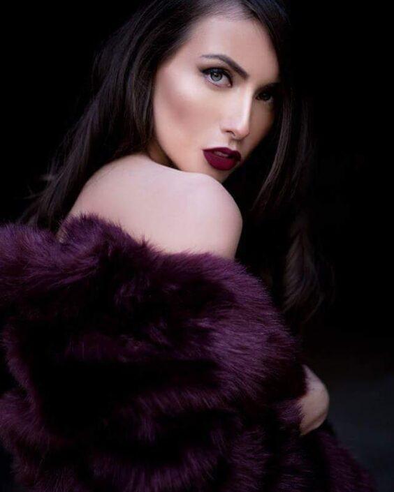 Modelle Brescia • DIANE C • DEVELOPMENT, Beauty, E-Commerce, Fotomodella Legs / Hand, Fotomodella Over 30, Fotomodella Over 20, Intimo, Abiti da Sposa, Fittings