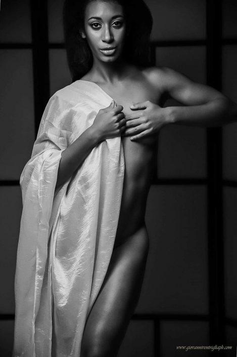 Modelle Brescia • Elena i • DEVELOPMENT, Gambista, Beauty, Manista, E-Commerce, Fotomodella Legs / Hand, Top Models, Fotomodella Over 30, Fotomodella Over 20, Intimo, Abiti da Sposa, Fittings
