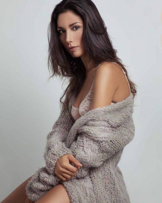 Modelle Brescia • ELISA MO • WOMEN, Gambista, Beauty, Manista, E-Commerce, Fotomodella Legs / Hand, Top Models, Fotomodella Over 30, Intimo, Abiti da Sposa, Fittings