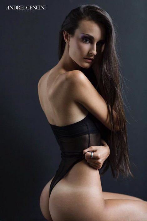 Modelle Brescia • elisa m • DEVELOPMENT, Gambista, Beauty, Manista, E-Commerce, Fotomodella Legs / Hand, Top Models, Fotomodella Over 30, Fotomodella Over 20, Intimo, Abiti da Sposa, Fittings