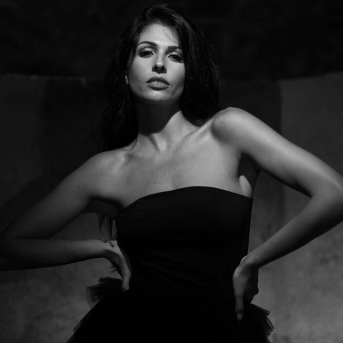 Modelle Brescia • ELISA TO • DEVELOPMENT, Gambista, Beauty, Manista, E-Commerce, Fotomodella Legs / Hand, Top Models, Fotomodella Over 30, Fotomodella Over 20, Intimo, Abiti da Sposa, Fittings