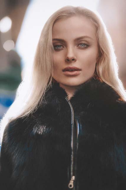 Modelle Brescia • ELIZAVETA C • WOMEN, Gambista, Beauty, Manista, E-Commerce, Fotomodella Legs / Hand, Top Models, Fotomodella Over 30, Intimo, Abiti da Sposa, Fittings