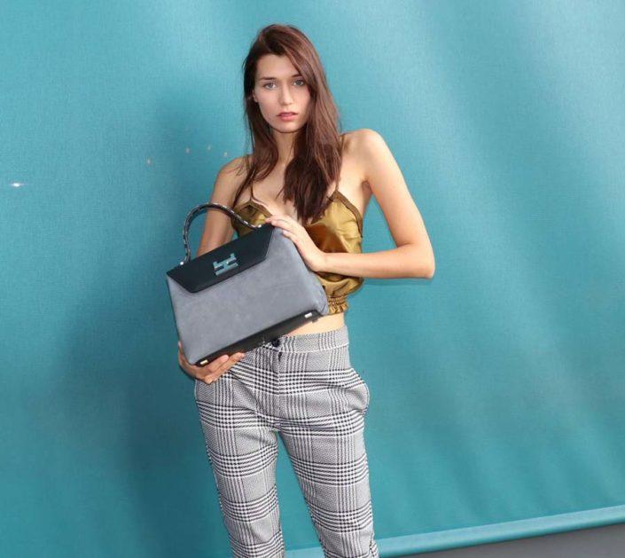 Modelle Brescia • ELLINA M • Fotomodella Influencer, WOMEN, Gambista, Beauty, Manista, E-Commerce, Top Models, Fotomodella Over 30, Intimo, Abiti da Sposa, Fittings
