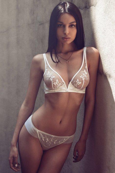 Modelle Brescia • ELSA M • Fotomodella Influencer, Top Models, Fotomodella Over 20, Fittings, Cataloghi, Editoriali, FIT