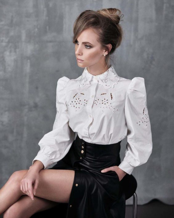 Modelle Brescia • ERIKA L • DEVELOPMENT, Beauty, E-Commerce, Fotomodella Legs / Hand, Fotomodella Over 30, Intimo, Abiti da Sposa, Fittings