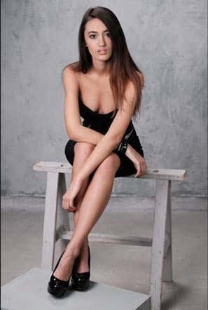 Modelle Brescia • FABIANA M • NEW FACES, Gambista, Beauty, Manista, Fotomodella Over 20, Fotomodello Under 18, Fittings, Fotomodella, Editoriali, Sfilate