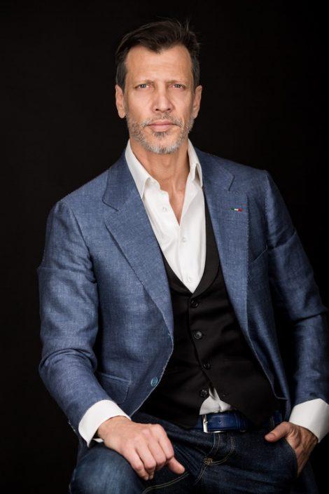 Modelle Brescia • Fabrizio V • MEN, Manista, Fittings, Cataloghi, Editoriali, fotomodello, top model, abiti da sposo, Sfilate, LookBook, Fotomodello Uomo