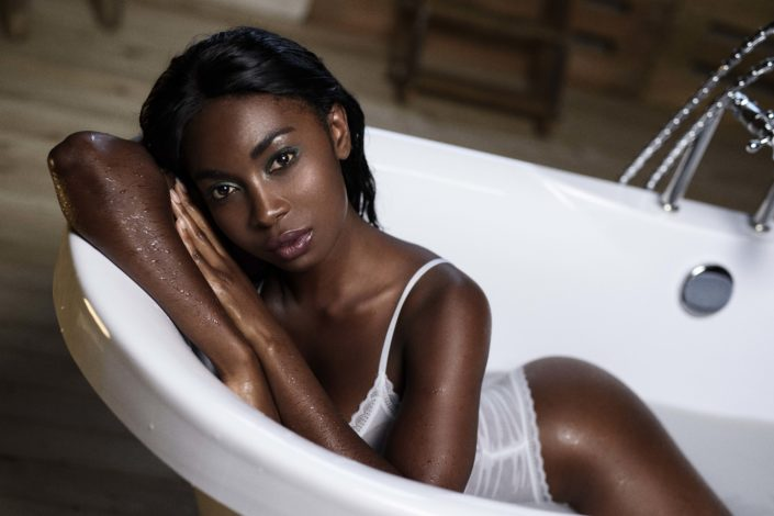 Modelle Brescia • FAITH O • NEW FACES, Gambista, Beauty, Manista, Fotomodella Over 20, Fotomodello Under 18, Fittings, Fotomodella, Editoriali, Sfilate