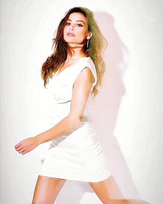 Modelle Brescia • FEDERICA S • DEVELOPMENT, Gambista, Beauty, Manista, E-Commerce, Fotomodella Legs / Hand, Top Models, Fotomodella Over 30, Fotomodella Over 20, Intimo, Abiti da Sposa, Fittings