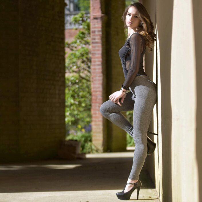 Modelle Brescia • GIORGIA K • DEVELOPMENT, Gambista, Beauty, Manista, E-Commerce, Fotomodella Legs / Hand, Top Models, Fotomodella Over 30, Fotomodella Over 20, Intimo, Abiti da Sposa, Fittings