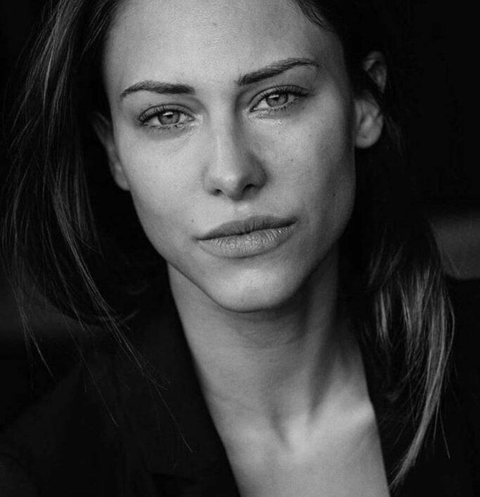 Modelle Brescia • GIULIA A • WOMEN, Gambista, Beauty, Manista, E-Commerce, Fotomodella Legs / Hand, Top Models, Fotomodella Over 30, Intimo, Abiti da Sposa, Fittings