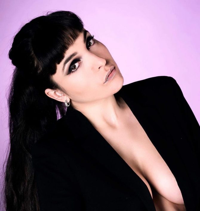 Modelle Brescia • Giulia Bu • Beauty, E-Commerce, Fotomodella Legs / Hand, Top Models, Fotomodella Over 30, Fotomodella Over 20, Intimo, Abiti da Sposa, Fittings, INK, Cataloghi, Editoriali, Immagine