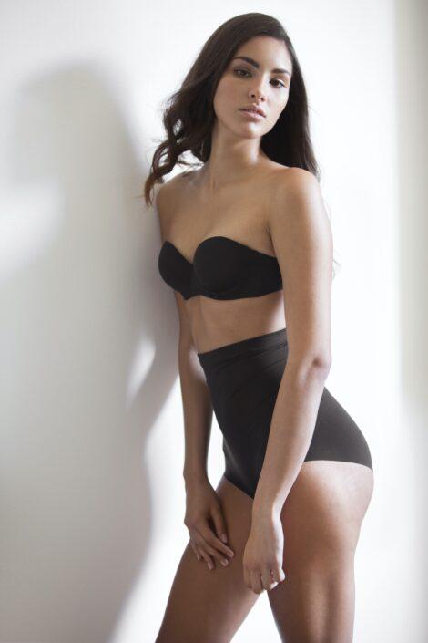 Modelle Brescia • GIULIA LE • WOMEN, Gambista, Beauty, Manista, E-Commerce, Fotomodella Legs / Hand, Top Models, Fotomodella Over 30, Fotomodella Over 20, Intimo, Abiti da Sposa, Fittings