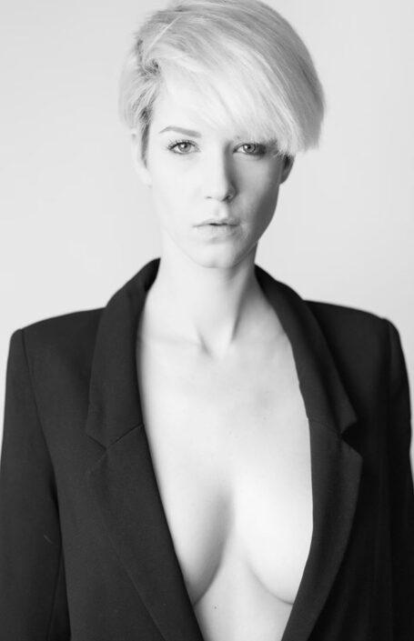 Modelle Brescia • Giulia Ra • DEVELOPMENT, Gambista, Beauty, Manista, E-Commerce, Fotomodella Legs / Hand, Top Models, Fotomodella Over 30, Fotomodella Over 20, Intimo, Abiti da Sposa, Fittings
