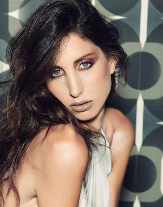 Modelle Brescia • ALEXANDRA O • WOMEN, Gambista, Beauty, Manista, E-Commerce, Fotomodella Legs / Hand, Top Models, Fotomodella Over 30, Intimo, Abiti da Sposa, Fittings