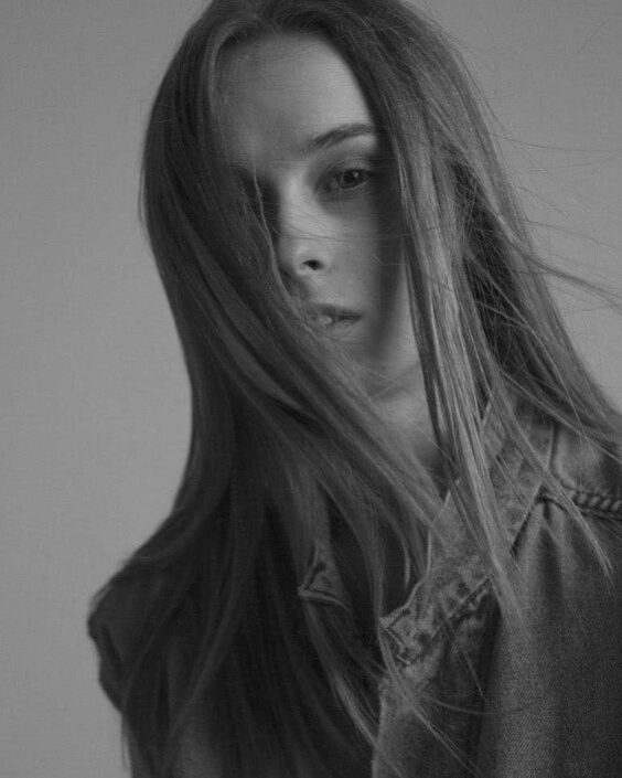 Modelle Brescia • ILONA T • WOMEN, Gambista, Beauty, Manista, E-Commerce, Fotomodella Legs / Hand, Top Models, Fotomodella Over 30, Fotomodella Over 20, Intimo, Abiti da Sposa, Fittings