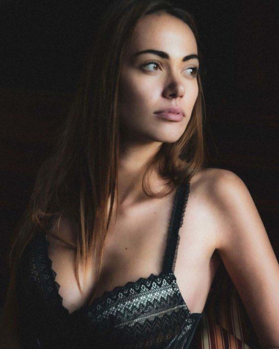Modelle Brescia • JENNIFER S • Fotomodella Influencer, WOMEN, Gambista, Beauty, Manista, E-Commerce, Fotomodella Legs / Hand, Top Models, Fotomodella Over 30, Fotomodella Over 20, Intimo, Abiti da Sposa, Fittings