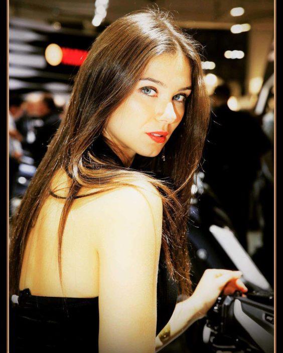 Modelle Brescia • LAURA B • WOMEN, Gambista, Beauty, Manista, E-Commerce, Fotomodella Legs / Hand, Top Models, Fotomodella Over 30, Fotomodella Over 20, Intimo, Abiti da Sposa, Fittings
