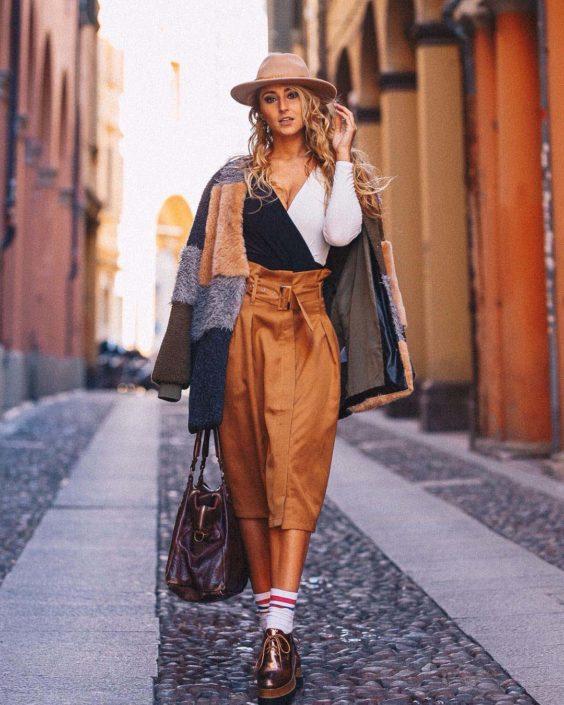 Modelle Brescia • LAURA M • DEVELOPMENT, Gambista, Beauty, Manista, E-Commerce, Fotomodella Legs / Hand, Top Models, Fotomodella Over 30, Fotomodella Over 20, Intimo, Abiti da Sposa, Fittings