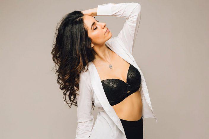 Modelle Brescia • LAURA P • DEVELOPMENT, Gambista, Beauty, Manista, E-Commerce, Fotomodella Legs / Hand, Top Models, Fotomodella Over 30, Fotomodella Over 20, Intimo, Abiti da Sposa, Fittings