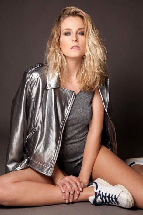 Modelle Brescia • MARGAUX L • DEVELOPMENT, Gambista, Beauty, Manista, E-Commerce, Fotomodella Legs / Hand, Top Models, Fotomodella Over 30, Fotomodella Over 20, Intimo, Abiti da Sposa, Fittings