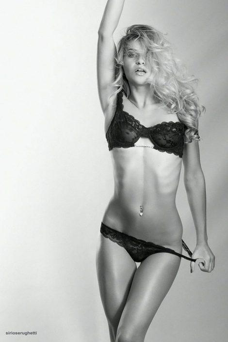 Modelle Brescia • Maria M • Beauty, E-Commerce, Fotomodella Legs / Hand, Top Models, Fotomodella Over 30, Fotomodella Over 20, Intimo, Abiti da Sposa, Fittings, INK, Cataloghi, Editoriali, Immagine