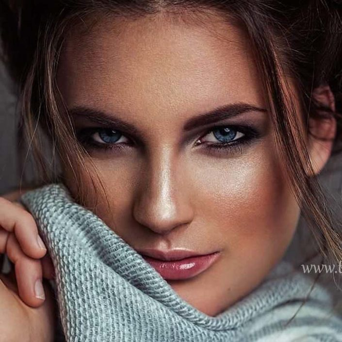 Modelle Brescia • MARIE R • WOMEN, Gambista, Beauty, Manista, E-Commerce, Fotomodella Legs / Hand, Top Models, Fotomodella Over 30, Fotomodella Over 20, Intimo, Abiti da Sposa, Fittings