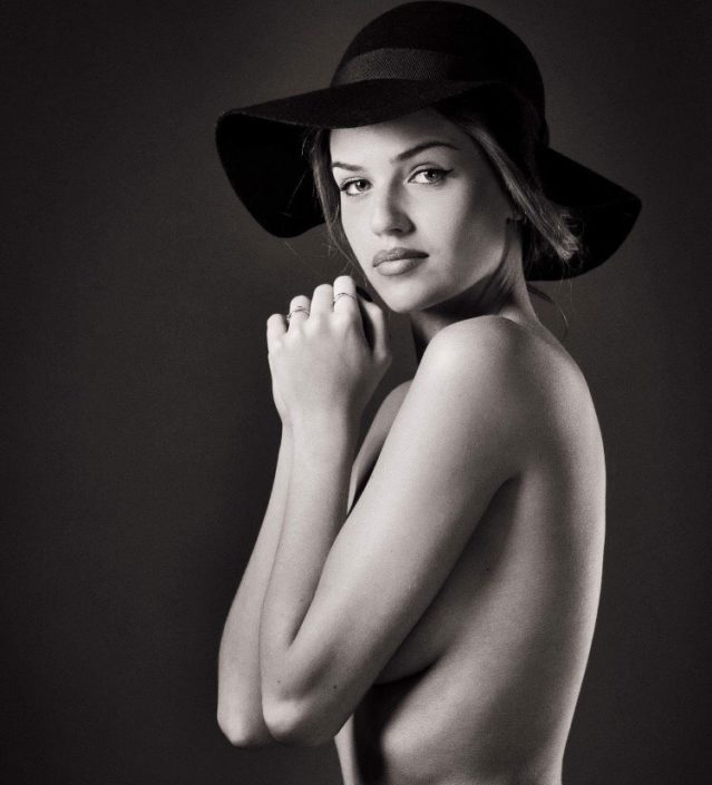 Modelle Brescia • MATHILDE R • NEW FACES, Gambista, Beauty, Manista, Fotomodella Over 20, Fotomodello Under 18, Fittings, Fotomodella, Editoriali, Sfilate