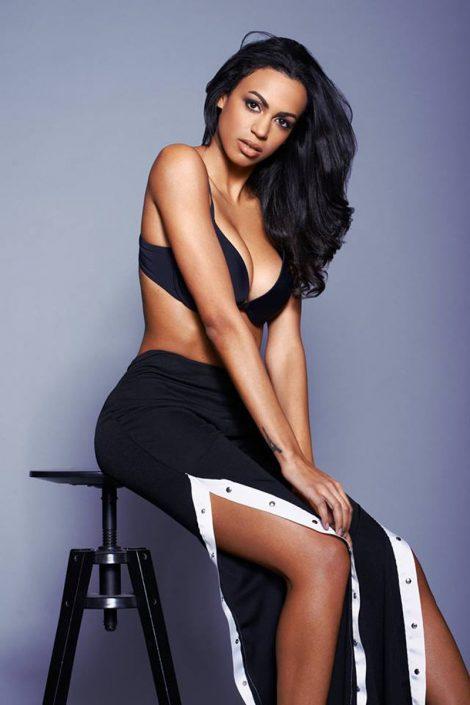 Modelle Brescia • MICHELLE B • Beauty, E-Commerce, Fotomodella Legs / Hand, Top Models, Fotomodella Over 30, Fotomodella Over 20, Intimo, Abiti da Sposa, Fittings, INK, Cataloghi, Editoriali, Immagine