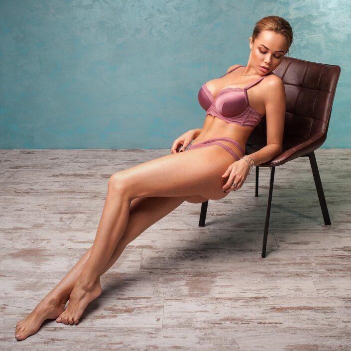 Modelle Brescia • NADINE L • Beauty, E-Commerce, Fotomodella Legs / Hand, Top Models, Fotomodella Over 30, Fotomodella Over 20, Intimo, Abiti da Sposa, Fittings, INK, Cataloghi, Editoriali, Immagine
