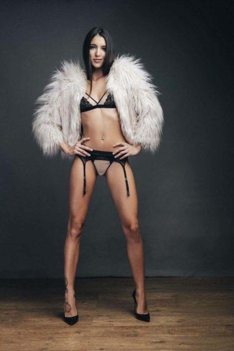 Modelle Brescia • NOEMY F • Beauty, E-Commerce, Fotomodella Legs / Hand, Top Models, Fotomodella Over 30, Fotomodella Over 20, Intimo, Abiti da Sposa, Fittings, INK, Cataloghi, Editoriali, Immagine