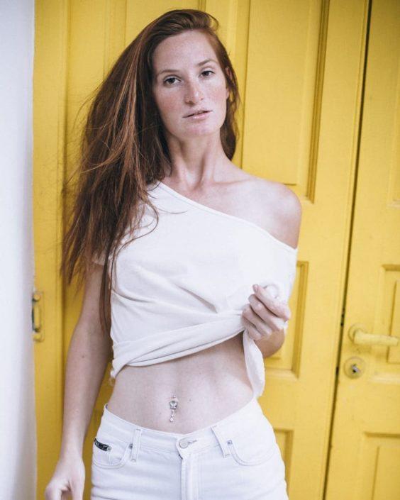 Modelle Brescia • PAULA E • WOMEN, Gambista, Beauty, Manista, E-Commerce, Fotomodella Legs / Hand, Top Models, Fotomodella Over 30, Intimo, Abiti da Sposa, Fittings