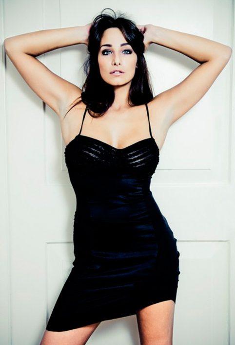 Modelle Brescia • Ruth M • DEVELOPMENT, Gambista, Beauty, Manista, E-Commerce, Fotomodella Legs / Hand, Top Models, Fotomodella Over 30, Fotomodella Over 20, Intimo, Abiti da Sposa, Fittings