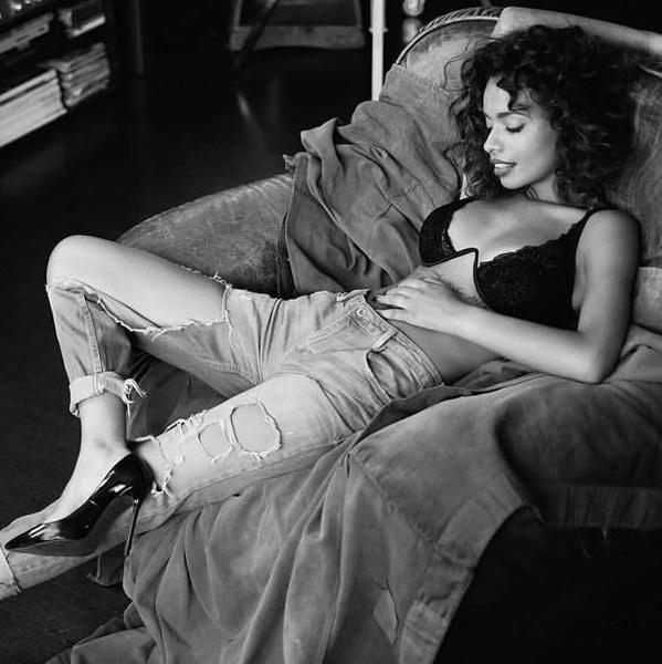 Modelle Brescia • SUKAINA S • DEVELOPMENT, Gambista, Beauty, Manista, E-Commerce, Fotomodella Legs / Hand, Top Models, Fotomodella Over 30, Fotomodella Over 20, Intimo, Abiti da Sposa, Fittings