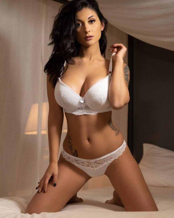 Modelle Brescia • SAMANTHA C • Beauty, E-Commerce, Fotomodella Legs / Hand, Top Models, Fotomodella Over 30, Fotomodella Over 20, Intimo, Abiti da Sposa, Fittings, INK, Cataloghi, Editoriali, Immagine